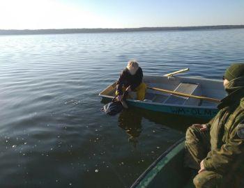 Kłusował na jeziorze Wałpusz