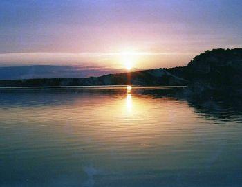 Jezioro Przytomne, Lucieńskie - zakaz używania łodzi motorowych i innego sprzętu motorowego
